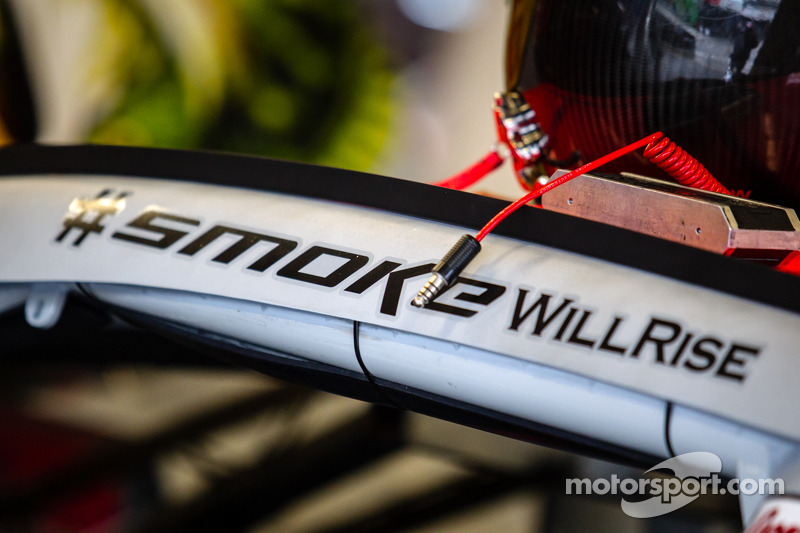 Nome Tony Stewart sulla Stewart-Haas Chevrolet Corsa