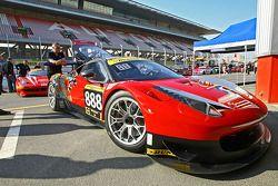 #888 Dragon Racing Ferrari 458 Italia GT3: Khaled Al Mudhaf, Mohammed Jawa, Jordan Grogor, Fred Fatien