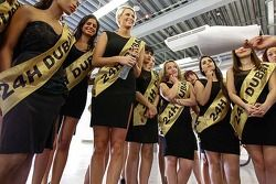 The lovely Dunlop Dubai girls