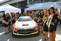#1 Team Abu Dhabi by Black Falcon Mercedes SLS AMG GT3: Khaled Al Qubaisi, Jeroen Bleekemolen, Bernd