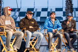 Forum : Dale Earnhardt Jr., Hendrick Motorsports Chevrolet, Matt Kenseth, Joe Gibbs Racing Toyota, R
