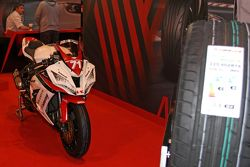 Kawasaki Yarış Motoru