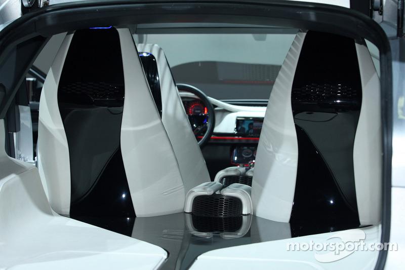 Jaguar CX17