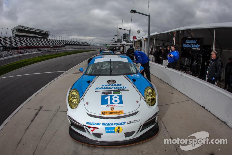 #18 Muehlner Motorsports America 保时捷 911 GT America: 马克·托马斯, 埃尔·班博