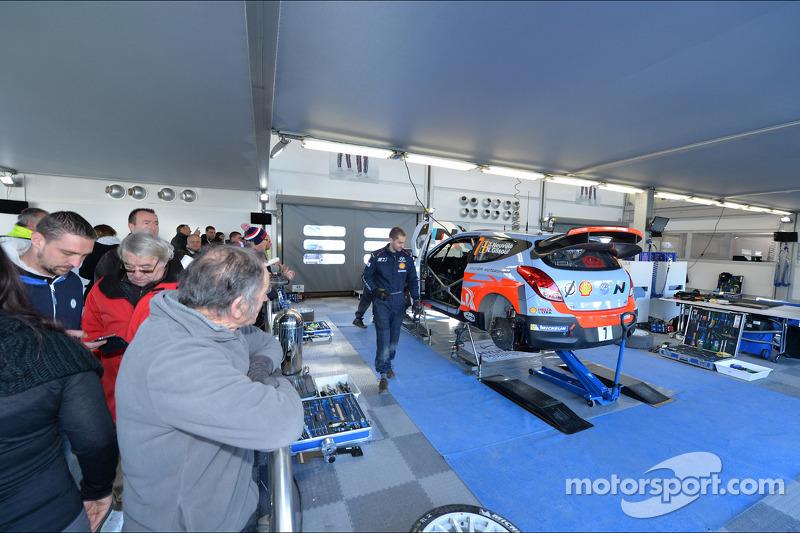 Zona squadra Hyundai Motorsport