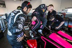Prove di sedile alla OAK Racing: Olivier Pla e Gustavo Yacaman