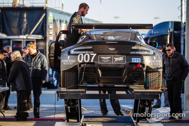#007 TRG-AMR 阿斯顿马丁 V12 Vantage