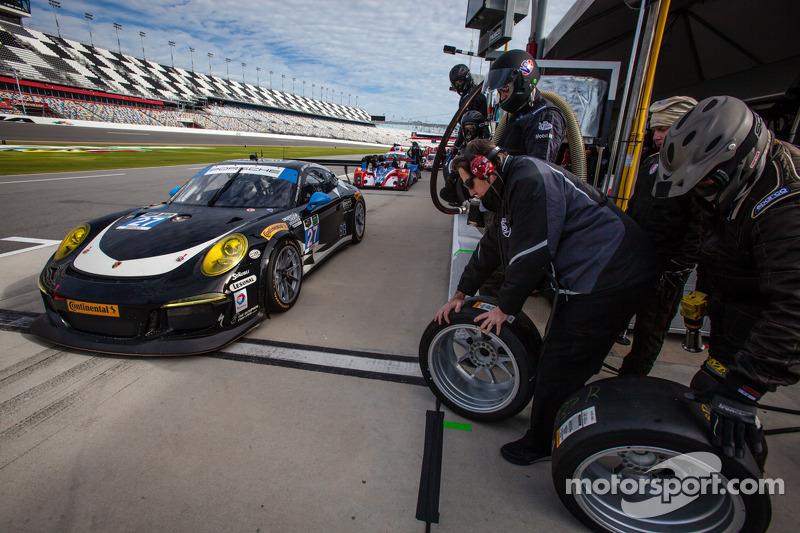 #27 Dempsey Racing Porsche 911 GT America: Patrick Dempsey, Joe Foster, Andrew Davis, Marc Lieb