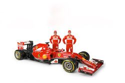 法拉利F14 T赛车,和两位车手费尔南多·阿隆索和基米·莱库宁