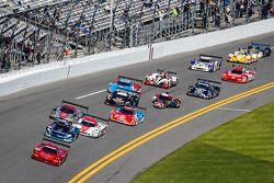 #99 GAINSCO / Bob Stallings Racing Corvette DP Chevrolet: Alex Gurney, Jon Fogarty, Darren Law, Memo Gidley leads the field to the start