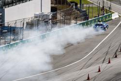 #46 Fall-Line Motorsports 奥迪 R8 LMS: 查尔斯·帕特南, 查尔斯·埃斯彭劳布, 詹姆斯·沃克, 奥利弗·贾维斯 遭遇严重撞车