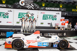 Os vencedores Jon Bennett, Colin Braun, Mark Wilkins, James Gue