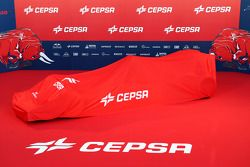 Toro Rosso STR9 sous un drap