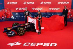 Daniil Kvyat et Jean-Eric Vergne présentent la Scuderia Toro Rosso STR9