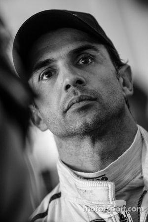 Fin de la course: Christian Fittipaldi regarde le dernier tour