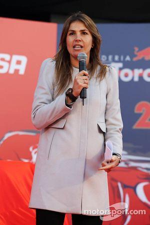 Nira Juanco lors de la présentation de la Toro Rosso STR9