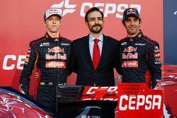Daniil Kvyat et son coéquipier Jean-Eric Vergne lors de la présentation de la Toro Rosso STR9