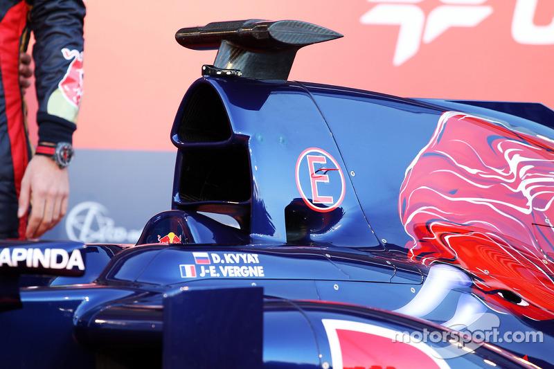 La nuova Scuderia Toro Rosso STR9 viene presentata, il motore