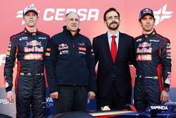 Daniil Kvyat, Scuderia Toro Rosso; Franz Tost, Teamchef; Jean-Eric Vergne, Scuderia Toro Rosso