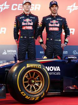 Daniil Kvyat, Scuderia Toro Rosso; Jean-Eric Vergne, Scuderia Toro Rosso