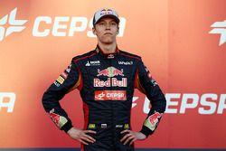 Daniil Kvyat lors de la présentation de la Toro Rosso STR9