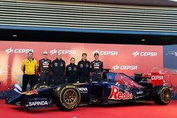 (L to R): Rob White, Renault Sport Deputy Managing Director, with Daniil Kvyat, Scuderia Toro Rosso; Franz Tost, Scuderia Toro Rosso Team Principal; Luca Furbatto, Scuderia Toro Rosso Chief Designer; James Key, Scuderia Toro Rosso Technical Director; Dani