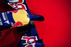 De Scuderia Toro Rosso STR9 neus