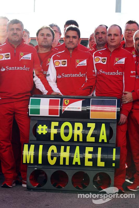Ferrari mostra apoio Michael Schumacher