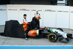 Nico Hulkenberg en Sergio Perez onthullen de Sahara Force India F1 VJM07