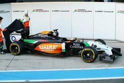 Nico Hülkenberg und Sergio Perez enthüllen den Sahara Force India F1 VJM07
