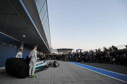 Lewis Hamilton et Nico Rosberg lors de la présentation de la Mercedes W05