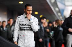 Lewis Hamilton lors de la présentation de la Mercedes W05