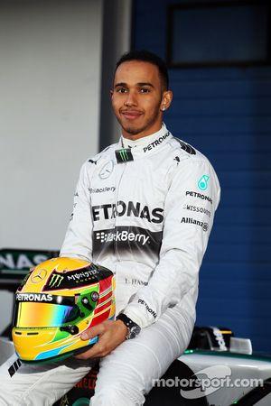 Lewis Hamilton, Mercedes AMG F1 alla presentazione della nuova Mercedes AMG F1 W05