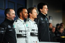 (L to R): Paddy Lowe, Lewis Hamilton, Mercedes AMG F1, Nico Rosberg, Mercedes AMG F1, and Toto Wolff