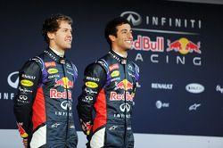 Sebastian Vettel, Red Bull Racing y Daniel Ricciardo, Red Bull Racing en la presentación de la Red B