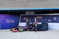 Daniel Ricciardo, Red Bull Racing y Sebastian Vettel, Red Bull Racing en la presentación de la Red B