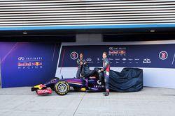 (L to R): Daniel Ricciardo, Red Bull Racing and team mate Sebastian Vettel, Red Bull Racing unveil t