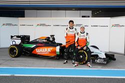 Sergio Pérez, Sahara Force India F1 y Nico Hulkenberg, Sahara Force India F1 en el lanzamiento del n