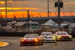 #49 Spirit of Race 法拉利 458 Italia: 皮耶尔朱塞佩·佩拉齐尼, 吉安卢卡·洛达, 保罗·鲁贝蒂, 达维德·里贡, #71 Park Place Motorsports