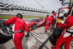 Pit stop for #63 Scuderia Corsa Ferrari 458 Italia: Alessandro Balzan, Jeff Westphal, Toni Vilander,