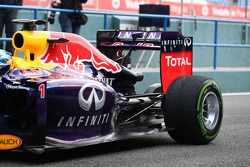 Sebastian Vettel, Red Bull Racing RB10 runs for the first time - rear suspension and rear wing detai