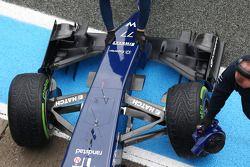 Williams FW36 asa dianteira, bico e suspensão dianteira detalhe