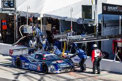 进站:#60 Michael Shank Racing和Curb/Agajanian Riley DP 福特 EcoBoost: John Pew, Oswaldo Negri, A.J. Allme