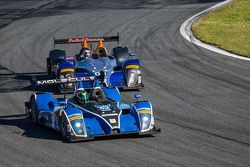 #52 PR1/Mathiasen Motorsports ORECA FLM09 雪佛兰: 迈克·瓜施, 程飞, 弗兰基·蒙泰卡尔沃, 古纳尔·让内特, #08 RSR Racing ORECA F