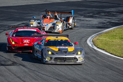 #93 SRT Motorsports SRT Viper GTS-R: Jonathan Bomarito, Kuno Wittmer, Rob Bell ; #62 Risi Competizio