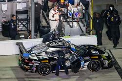 进站:#27 Dempsey Racing,保时捷 911 GT America: 帕特里克·邓普西, Joe Foster, Andrew Davis, Marc Lieb