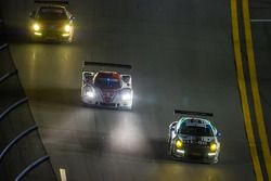 #44 Magnus Racing 保时捷 911 GT America 保时捷: 约翰·波特, 安迪·拉利, 沃尔夫·亨泽尔, 让-弗朗索瓦·迪穆兰, #5 Action Express Racin