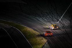 #93 SRT Motorsports SRT 蝰蛇 GTS-R: 乔纳森·博马里托, 库诺·维特默, 罗伯·贝尔, #35 Flying Lizard Motorsports 奥迪 R8 LMS:
