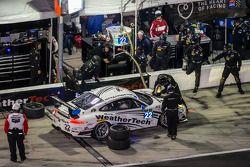 Arrêt au stand - #22 Alex Job Racing Porsche 911 GT America: Cooper MacNeil, Leh Keen, Louis-Philip