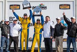 GS podium: racewinnaars Bill Auberlen en Paul Dalla Lana